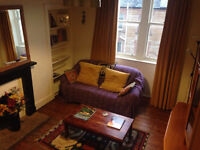 2 double bedroom tenement flat for rent in Abbeyhill, 5 minutes walk from Royal Mile. 6 month lease