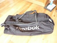 Large cpacity Reebok sports and travel bag
