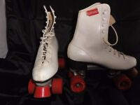 80's Chicago ladies roller skates size 6, white leather boot