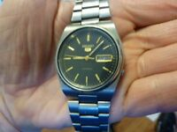 Seiko 5 watch model 7009-3130 automatic day date.