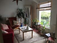 *Beautiful* Double room in warm and friendly house: Pontcanna / Canton