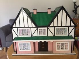 Vintage Traditional Dolls House