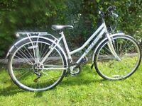 Cotswold Ladies Classic Low Stepover Trekking Bike