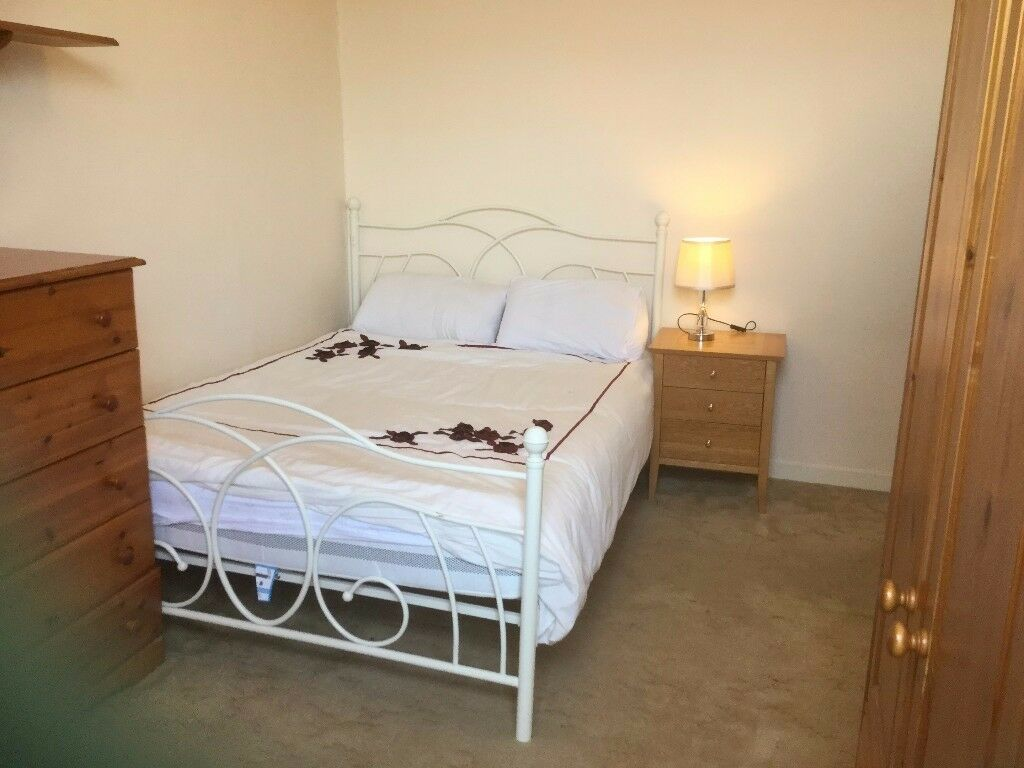 WARM AND COMFORTABLE flat close to Aberdeen university