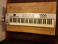 M AUDIO OXYGEN 61 MIDI KEYBOARD