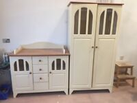 Wardrobe & Chest of Drawers with changing table top
