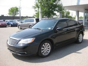 2014 Chrysler 200 Touring HTD Seats *Economic Luxury*