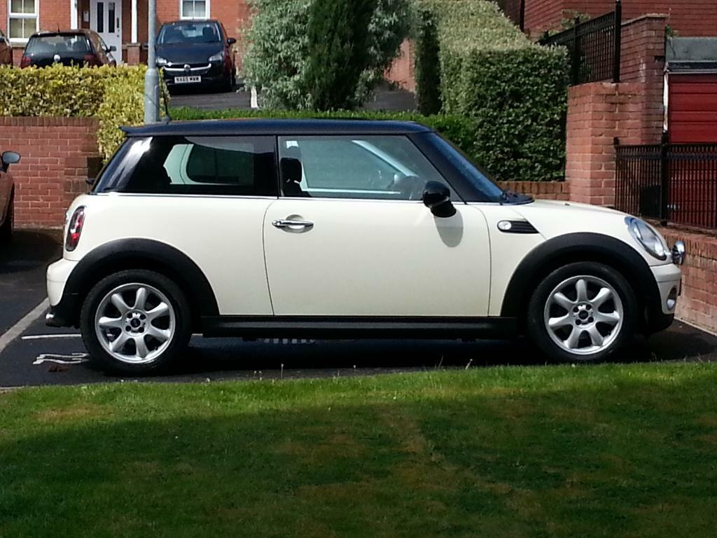 Mini Cooper For Sale Automatic Petrol Cream Black Roof In Sunderland Tyne And Wear Gumtree