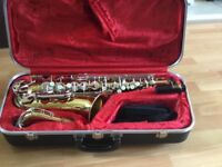 SAXAPHONE ARMSTRONG ALTO (REDUCED) FOR QUICK SALE)