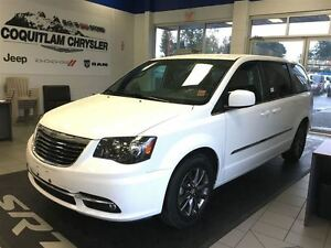 2014 Chrysler Town & Country S loaded leather navigation