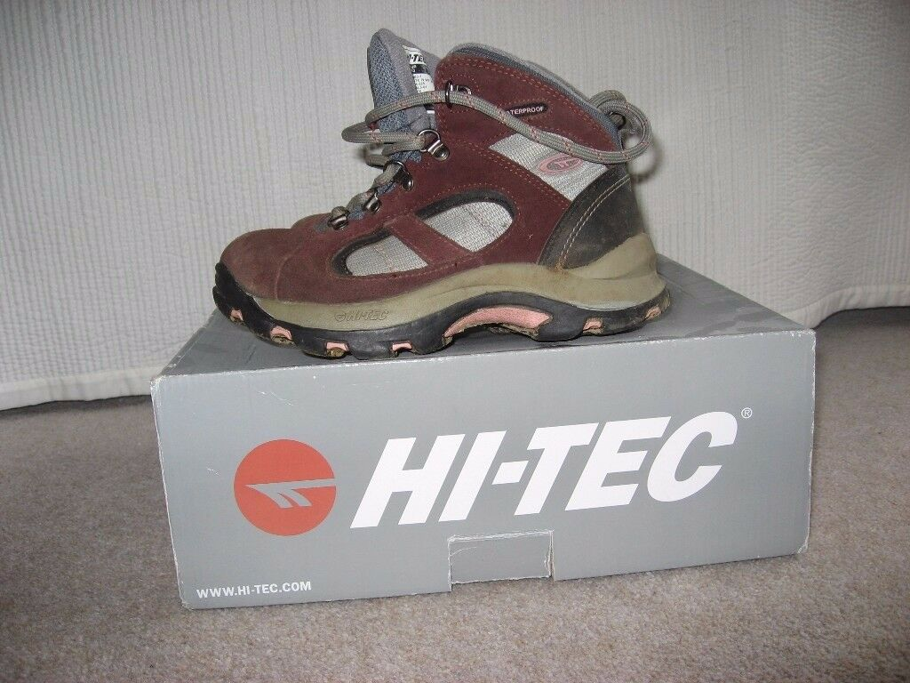 Hi-Tec Altitude Lite Junior Girls Waterproof Walking Boots (Size 1)