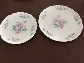 Aynsley 'Little sweetheart' Gateaux and cake plates