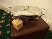 PYREX Food warmer with one Glass dish