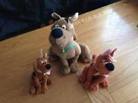 Talking scooby doo and 2 extra teddies