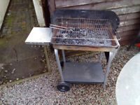 Trolley charcoal barbeque