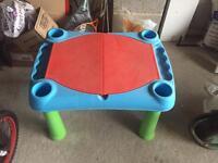 Sandpit with lid