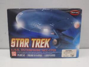 Star Trek U.S.S. Enterprise NCC-1701 Plastic Model Kit - We Buy and Sell Collectibles at Cash Pawn - 111489 - OR1011405