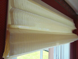 Job lot 90 x S & B, Roman Blinds, Ideal For Car Booter Etc. £50 CASH.............R.R.P £29.99 Each