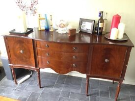 Beautiful vintage sideboard in great condition