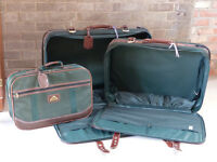 Set of 3 canvas travel suitcases