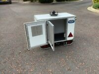 Tow bar Dog carrier/box