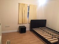 Newly Refurbished Studio Flat in Greenlane Ilford === Rent £850PCM All Bills Included===