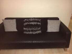 Set of 5 grey and black cushions