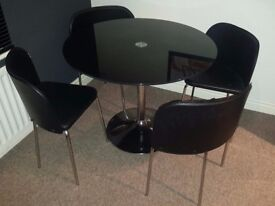 Black Gloss Round Table + 4 Dining Chairs