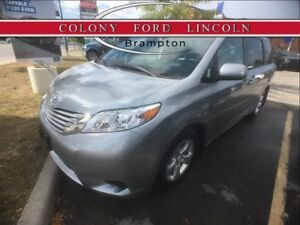 2017 Toyota Sienna 8 PASSENGER SIENNA LE WITH LOW KM'S!