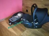 Familyfix ISOFIX base with car seat maxi cosi