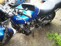 Kawasaki ZR750 1999 (non-runner) motorcycle, good project