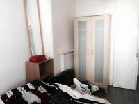 DOUBLE ROOM AVAILABLE FOR SINGLE USE - LONG OR SHORT TERM