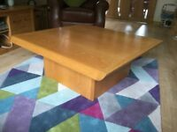 LARGE SOLID OAK COFEEE TABLE