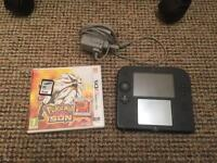 Nintendo 2DS + Pokemon Sun bundle Comes With: -Power Supply Charger -4GB SD HC Card