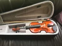 Excellent condition 1/2 size violin for sale , suit beginner .