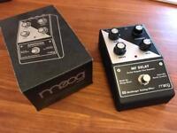 Moog minifooger delay pedal