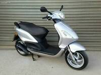 2009 PIAGGIO FLY 125 SCOOTER LOW MILEAGE SUPERB CONDITION