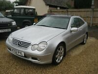 Mercedes C230 Kompressor sport automatic. 2002 in metallic silver with leather