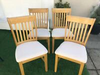 Set of 4 Oak chairs in excellent condition!