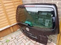 VW TOURAN REAR TAILGATE / BOOT LID DOOR IN BLACK 2003-2006