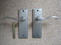 Wickes 'Lisbon' satin nickel door handles (6 pairs) & 2 'Santiago' satin nickel door knobs (unused)