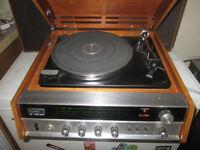 Hitachi Record Player model DPH-311 & 2 Speakers