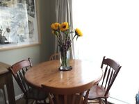 Beautiful hand crafted Solid Oak Table