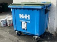 1100 litre flat top bin
