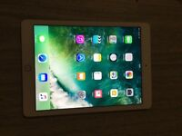 IPAD AIR 2 in IMACULATE CONDITION