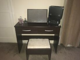 Dressing Table With Mirror and Stool complete set Cheap and in Good condition