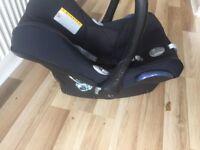 Maxi cosi ISO fix car seat base and car seat