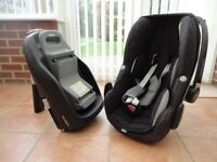 Maxi-Cosi child car seat and carrier .