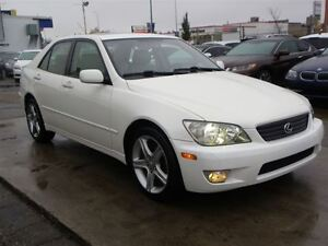 2001 Lexus IS 300 3.0L I-6 CYL SUEDE SEATS SUNROOF ONLY 96,000KM