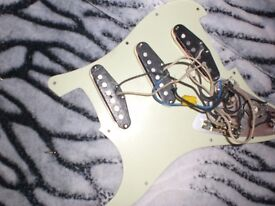 FENDER STRATOCASTER USA 1957 REISSUE PICKUPS ON PLATE ALL ELECTRICS